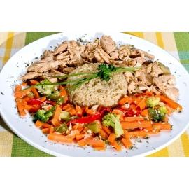 Volaille au gingembre avec quinoa et légumes