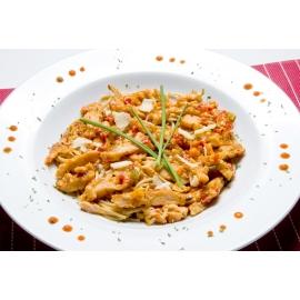Poulet thaï et légumes sur vermicelles